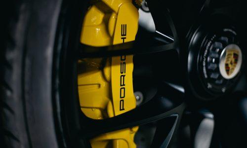 Porsche 911 Alloy With Carbon Fiber Brakes