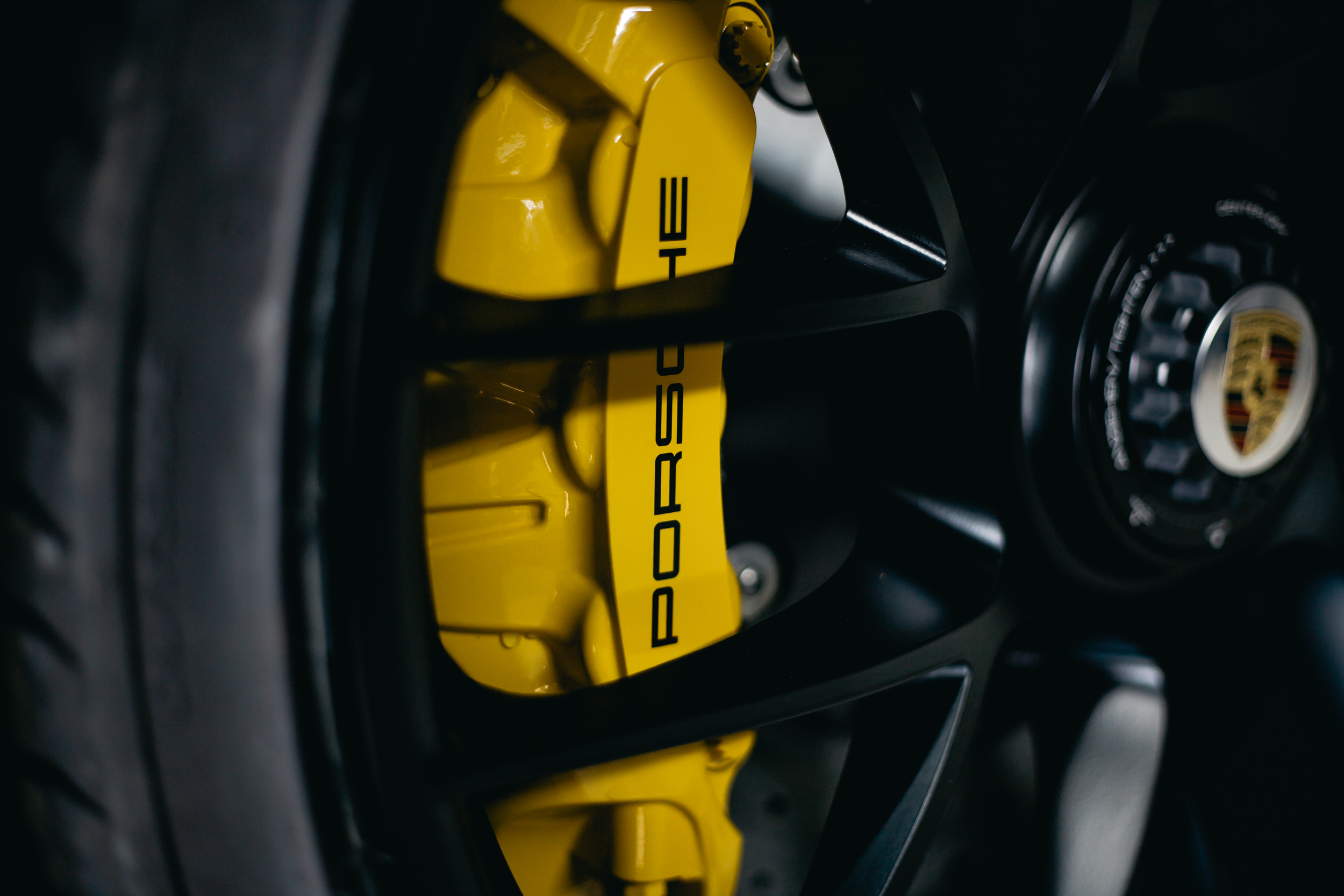 Porsche 911 Alloy With Carbon Fiber Brakes